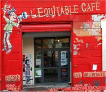 La façade du café : On a tout compris !