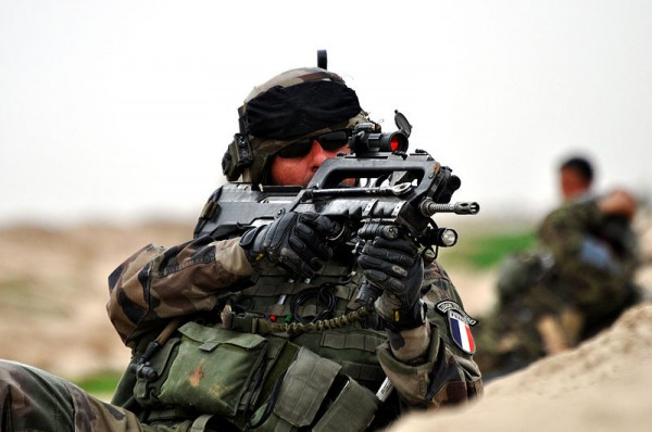 800px-French_Soldier_in_Afghanistan_MOD_45151395[1]
